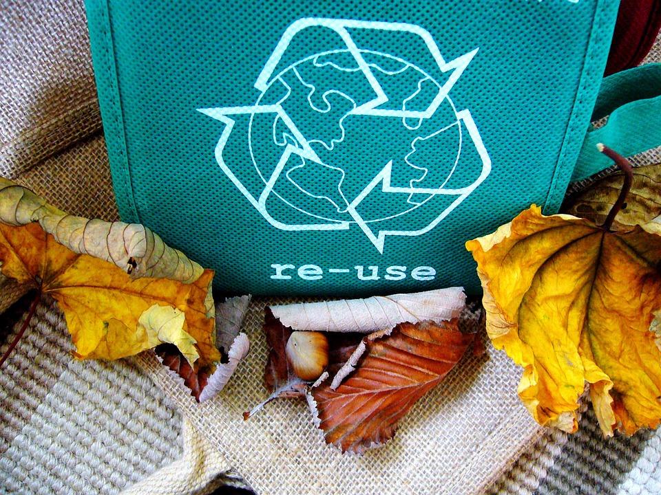 Regalos hechos a base de material reciclado
